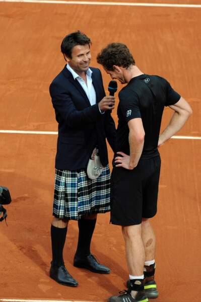 Et Fabrice Santoro s'adapte aux pratiques locales face à Andy Murray