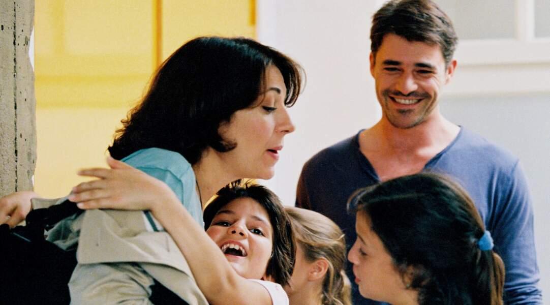 Il joue l'amant secret de la regrettée Valérie Benguigui dans la comédie Comme t'y es belle ! (2006).