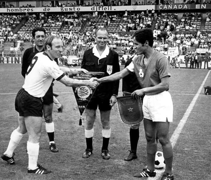 14. Uwe Seeler (Allemagne) 9 buts