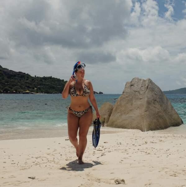 Ashley Graham a découvert les pyramides des Seychelles.