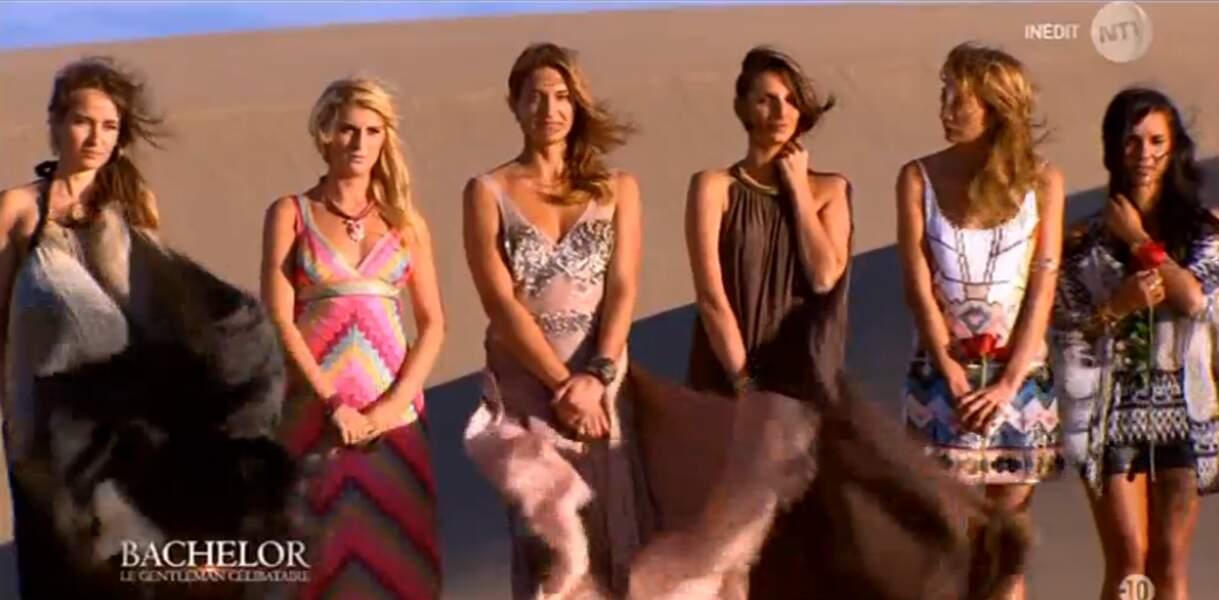 Quand les Bachelorettes se promènent dans le désert, c'est toujours en robes de soirées !