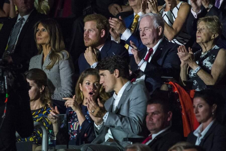 … et à quelques sièges du Premier ministre canadien Justin Trudeau et de la femme de celui-ci, Sophie