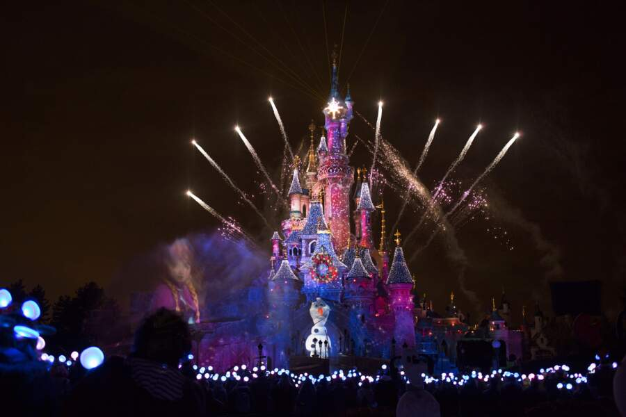 Olaf dirige le spectacle Disney Dreams®! fête Noël