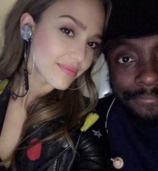 Notre petit doigt nous dit que Jessica Alba bosse avec les Black Eyed Peas sur leur nouveau projet...