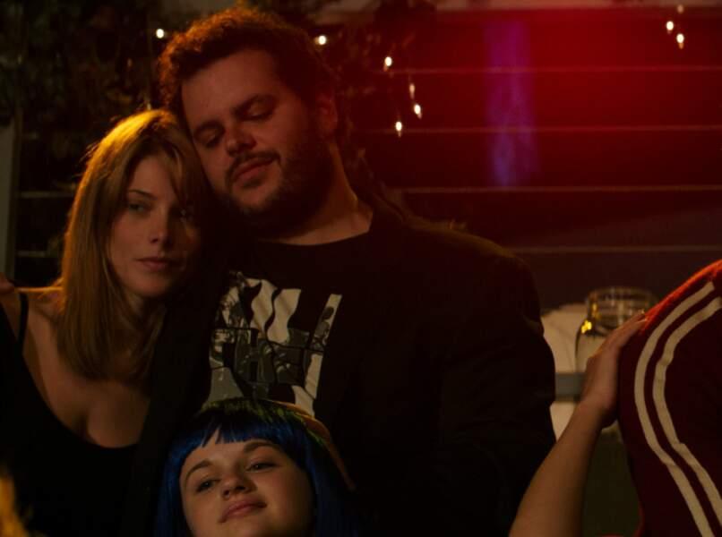 En 2014, on la retrouvait dans le film Le Rôle de ma vie de Zach Braff (avec les cheveux longs)