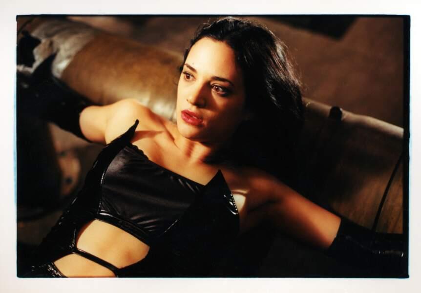 Asia Argento dans Les Morsures de l'aube (2001)