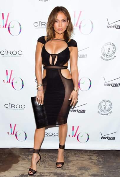 46 ans et toutes ses dents ! Jennifer Lopez a célébré ça dans une boîte de New York... sans culotte.
