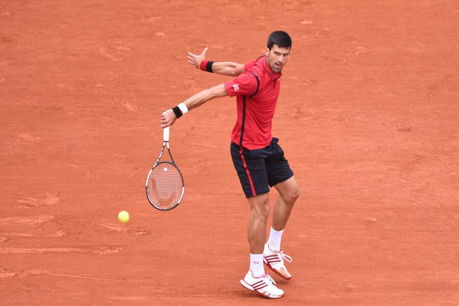 Novak porte les mêmes couleurs que le RC Toulon et une célèbre banque. Coïncidence ? Oui, certainement