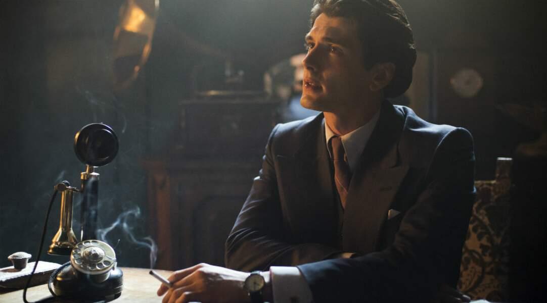 Yon Gonzalez incarne le beau et ténébreux Francisco Gomez dans Les Demoiselles du téléphone
