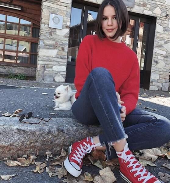 Marina Kaye et son joli camaieu de rouge