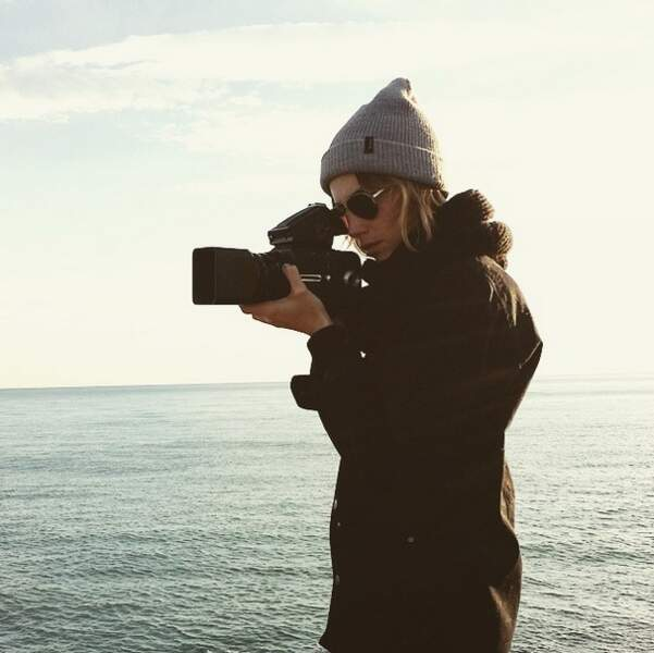 Pendant ce temps, Alexandra Rosenfeld joue les apprentis photographes