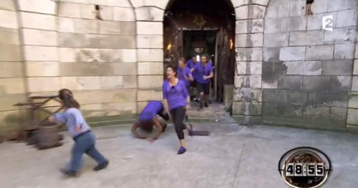 Et pour fêter cette performance : hop, une petite roulade dans la cour. Normal