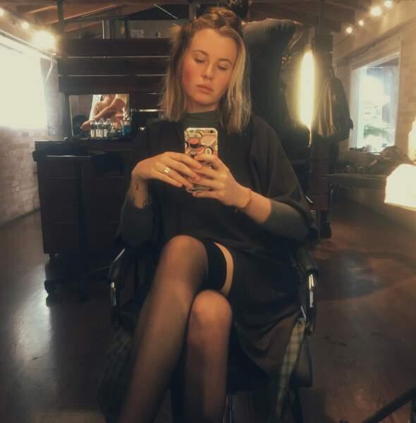 Et que dire d'Ireland Baldwin ? Un selfie tout à fait classique chez le coiffeur, tout à fait.