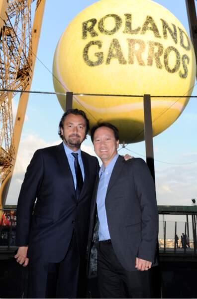 Patrice Leconte et Michael Chang, protégés par le dieu de la balle jaune