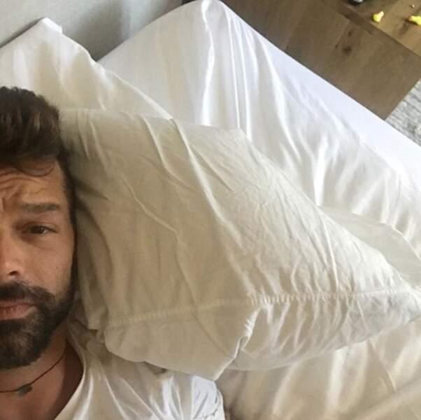 Mais aussi beaucoup de repos à Ricky Martin, qui a l'air au bout du rouleau.