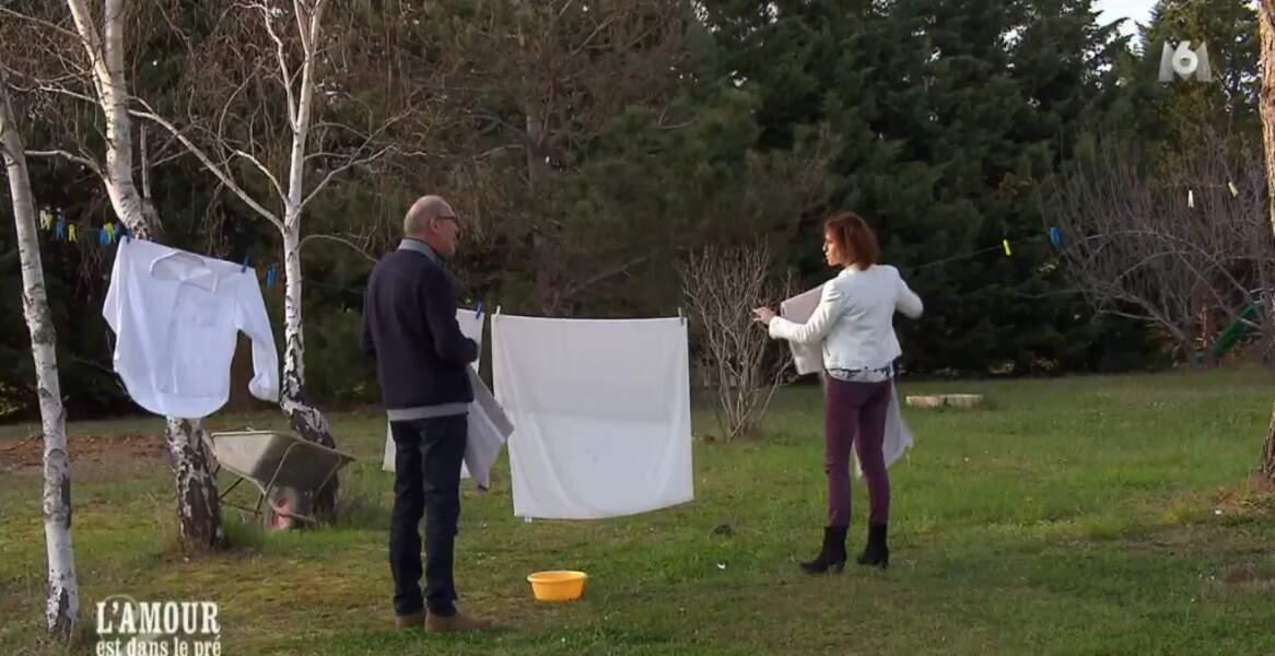 Ca y est Bernard aurait-il déjà trouvé chaussure à son pied ? Ils partagent en tout cas les tâches ménagères...