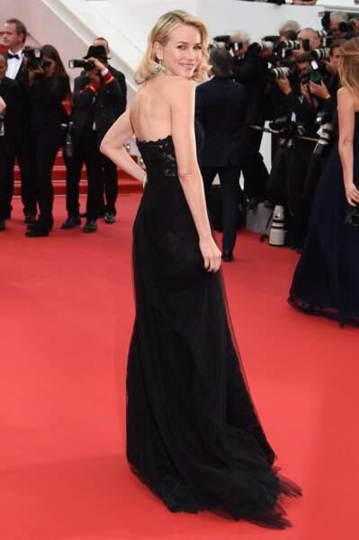 Naomi Watts à la montée des marches pour la projection de Mad Max : Fury Road