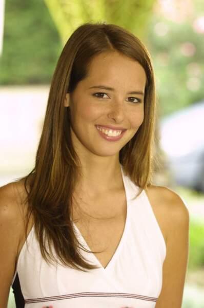 Julie Boulanger est arrivée dans la saison 7 pour jouer Aurélie Servais, la fille handicapée de Maxime Servais.