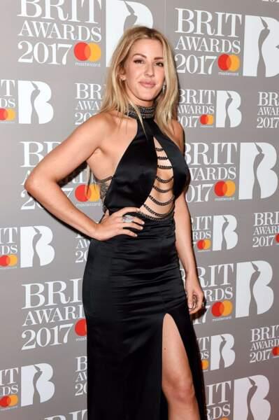 Ellie Goulding toute en chaînes !