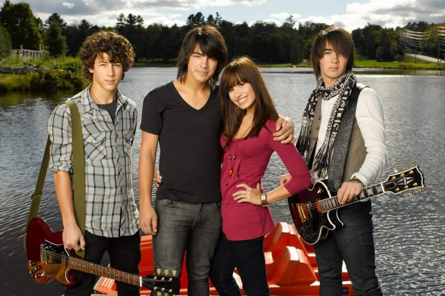Allez on ressort les photos dossiers : les Jonas Brothers au meilleur de leur look !