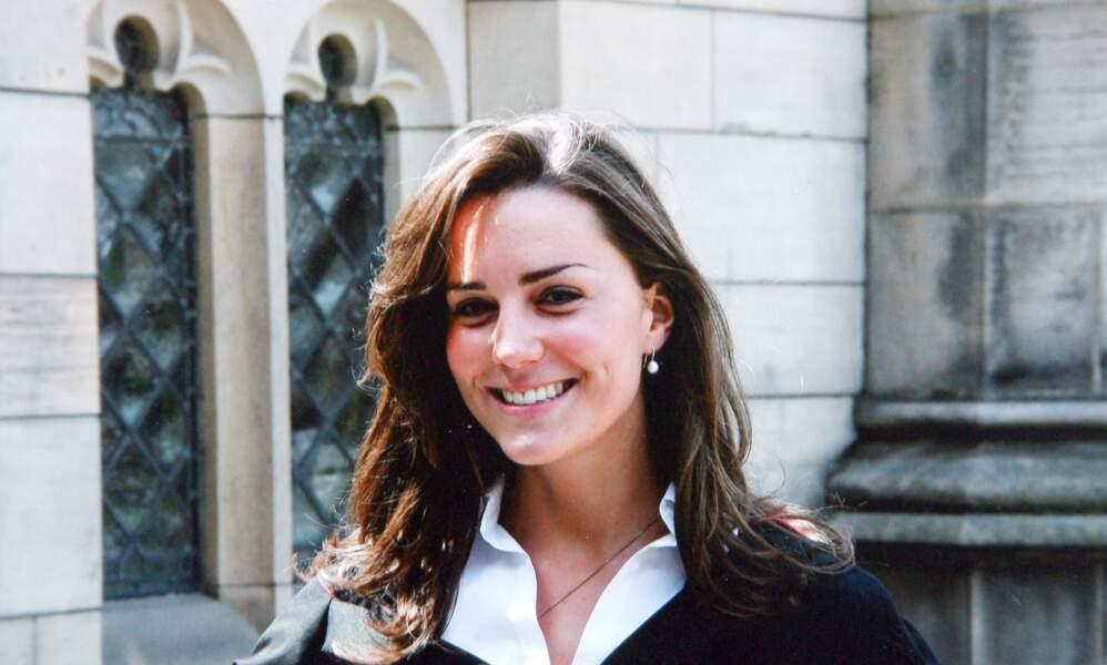 """Catherine """"Kate"""" Middleton, le jour de la remise de diplôme à St Andrews en 2005, elle a 23 ans"""