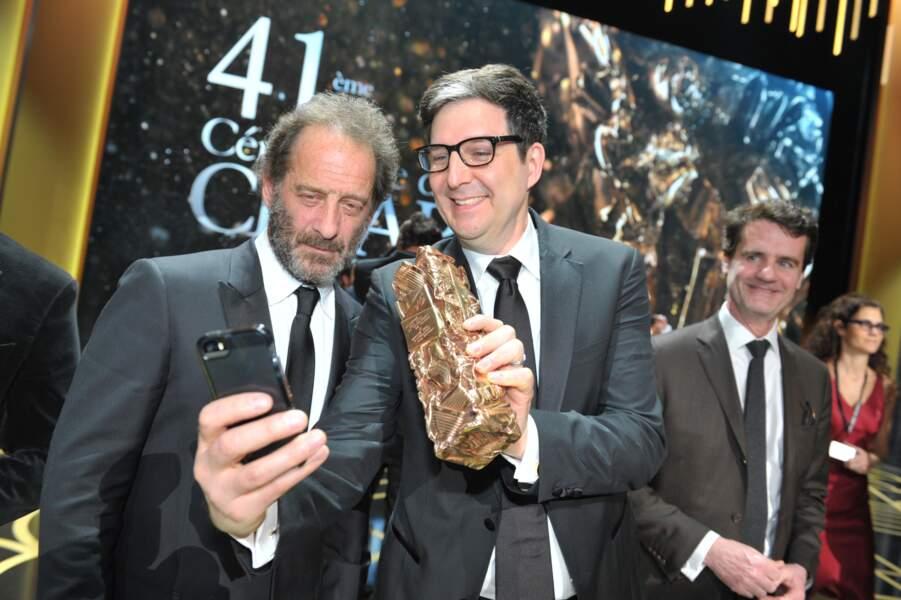 Tout juste sacrés, Vincent Lindon et le réalisateur US Mark Osborne prennent la pose