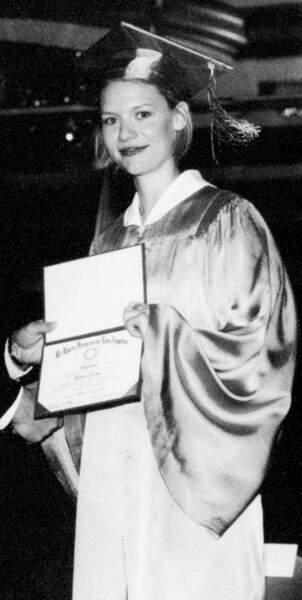 Claire Danes recevant un diplôme en 1997