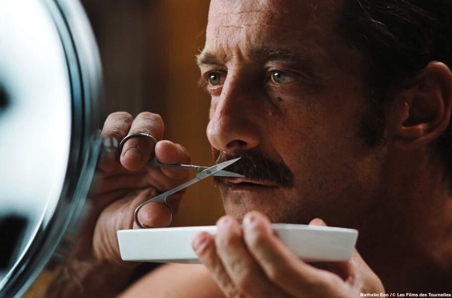 THE moustache de Vincent Lindon dans... La moustache tiens !
