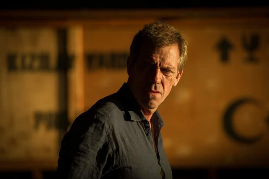 Hugh Laurie fait son grand retour à la télé avec la série The Night Manager