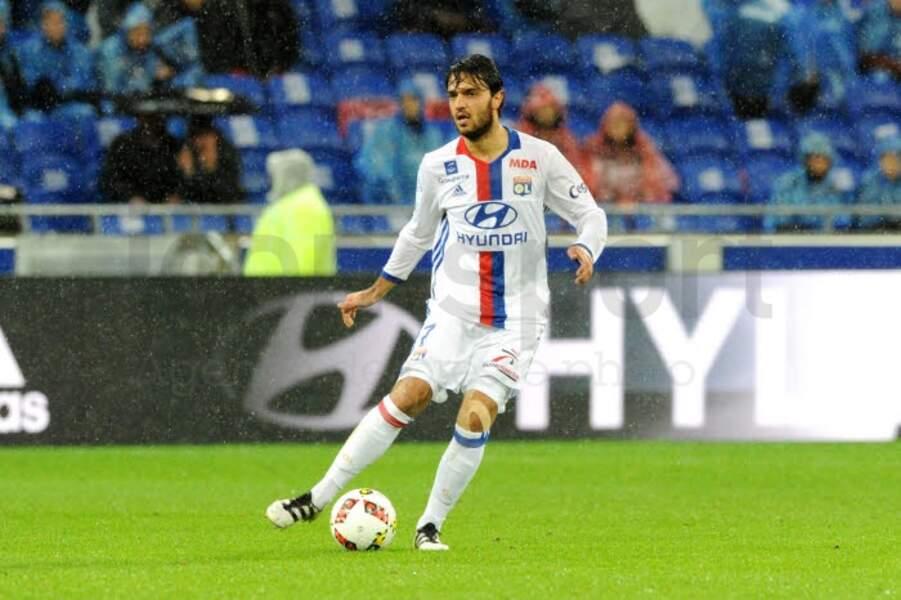 18. A l'écart du groupe, Clément Grenier est pourtant le 3e Lyonnais le mieux payé avec 320 000 €.