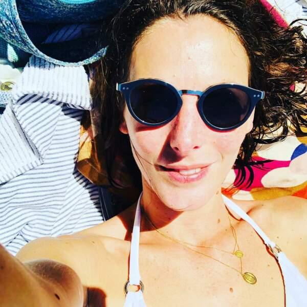 Petit selfie au soleil pour Elodie Varlet