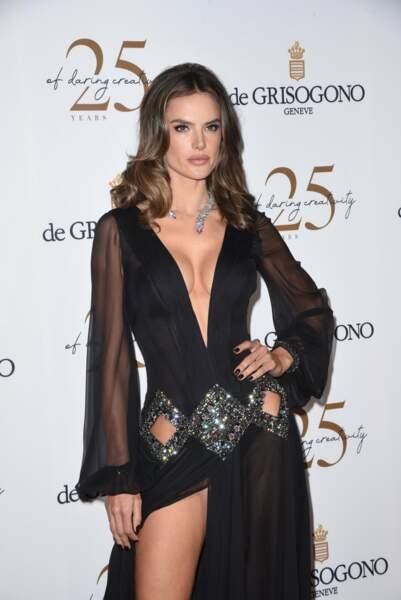 Alors que revoilà la très sexy Alessandra Ambrosio