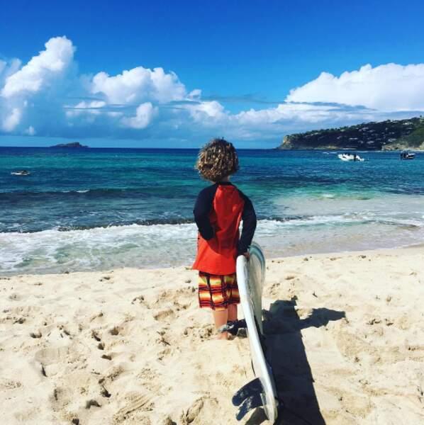 Il voudrait bien faire comme maman, et voguer sur l'océan