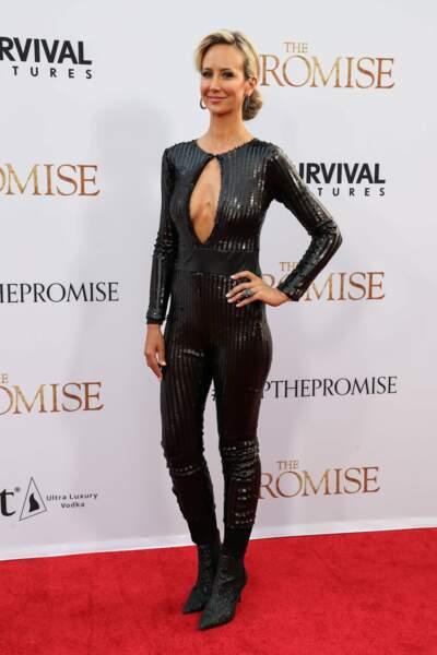 Victoria Hervey, top model, était aussi présente à l'avant-première. Elle a fait tourner des têtes avec sa combi