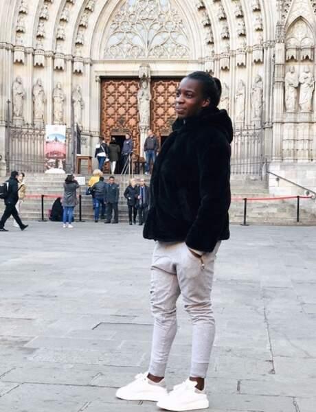 Viviane Asseyi se promène à Barcelone