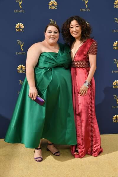 Chrissy Metz (This is Us) et Sandra Oh (Killing Eve) très complices dans leur sublime robe de couleur