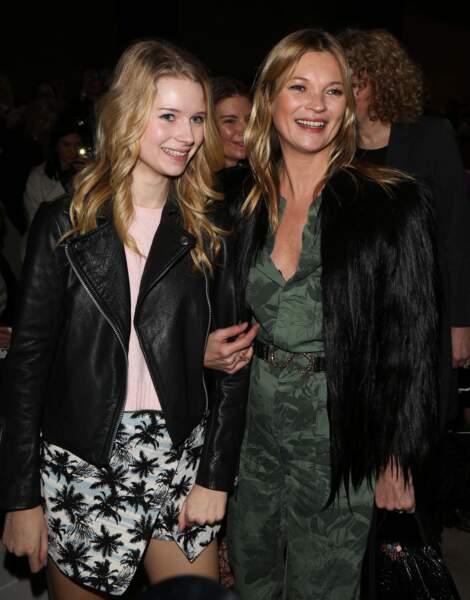 Elles aussi sont toutes deux mannequins : Kate et sa petite soeur Lottie Moss, 18 ans.