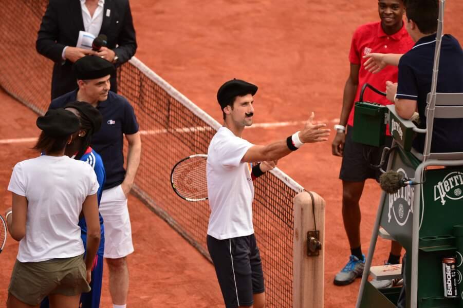 Djokovic parfait Frenchie ! Ne lui manque que la baguette