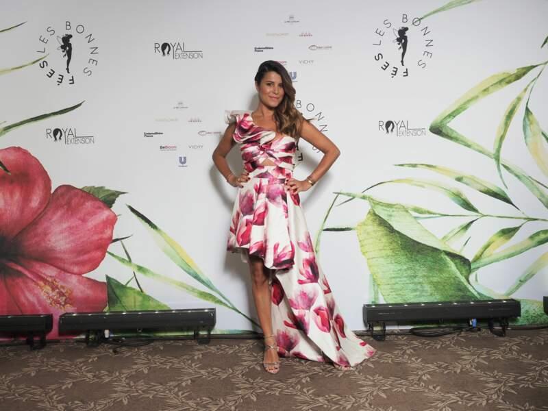 Karine Ferri aussi et l'animatrice de TF1 a séduit l'assistance grâce à cette robe printanière