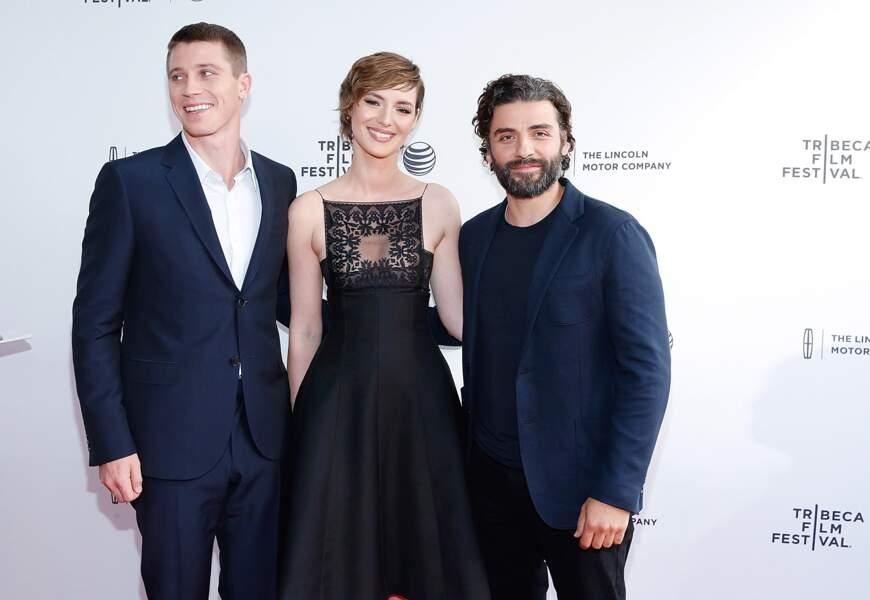 Quelle beauté au Festival du film de Tribeca 2015 pour MOJAVE aux côtés de Garrett Hedlund et Oscar Isaac !