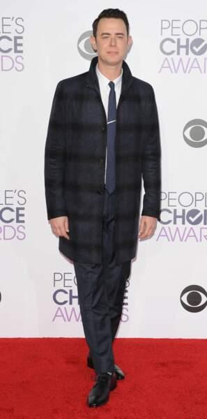 Colin Hanks (Fargo et Dexter) la classe incarnée dans sa longue veste à carreaux