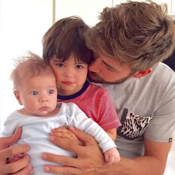 Quoi de mieux que de commencer avec cette photo pleine de douceur, signée Gerard Piqué (mari de Shakira) ?