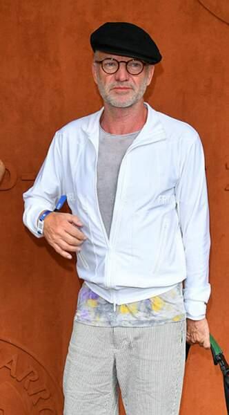 Après son apparition remarquée jeudi, Sting est de retour Porte d'Auteuil (toujours avec son béret)