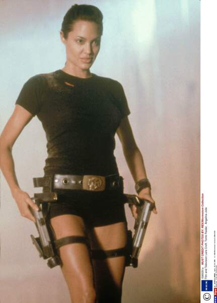 L'actrice y interprète l'héroïne de jeu vidéo ultra sexy Lara Croft