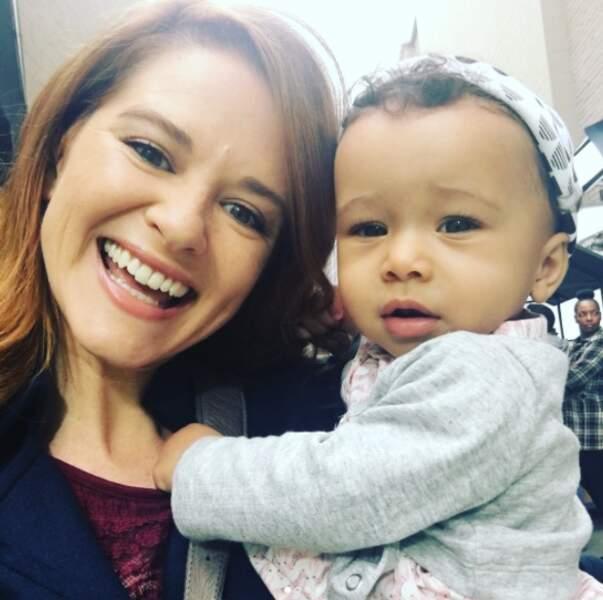 Sarah Drew et sa fille de fiction. Trop mignonnes les deux