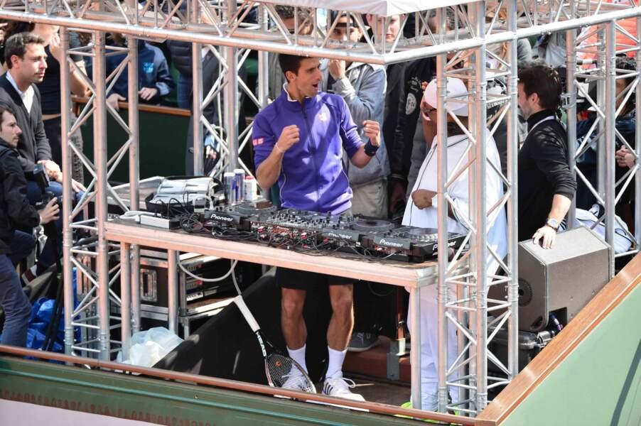 Novak Djokovic et Bob Sinclar jouent à Vis ma vie... Voici DJ Djoko.