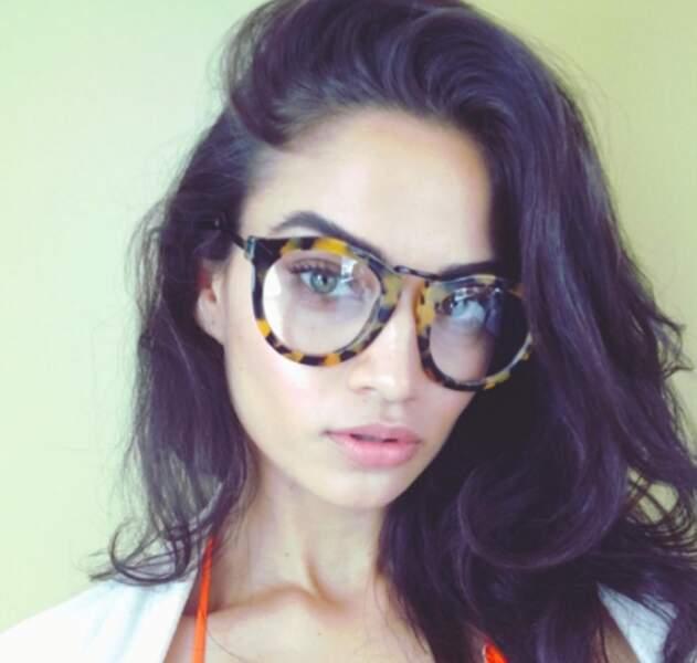 Oui, Shanina Shaik, tu peux mettre tes lunettes : elle n'est plus que l'ombre d'elle-même. Les fans s'inquiètent.