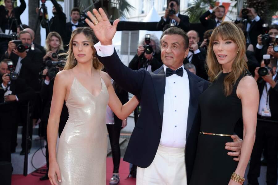 Sylvester Stallone entouré de Sistine Stallone et Jennifer Flavin