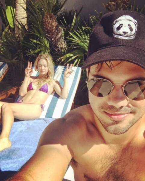 Les amoureux Billie Lourd et Taylor Lautner se ressourcent au soleil.