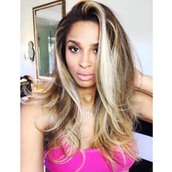 Et on n'est pas super fan la nouvelle couleur de cheveux de Ciara, on l'avoue.